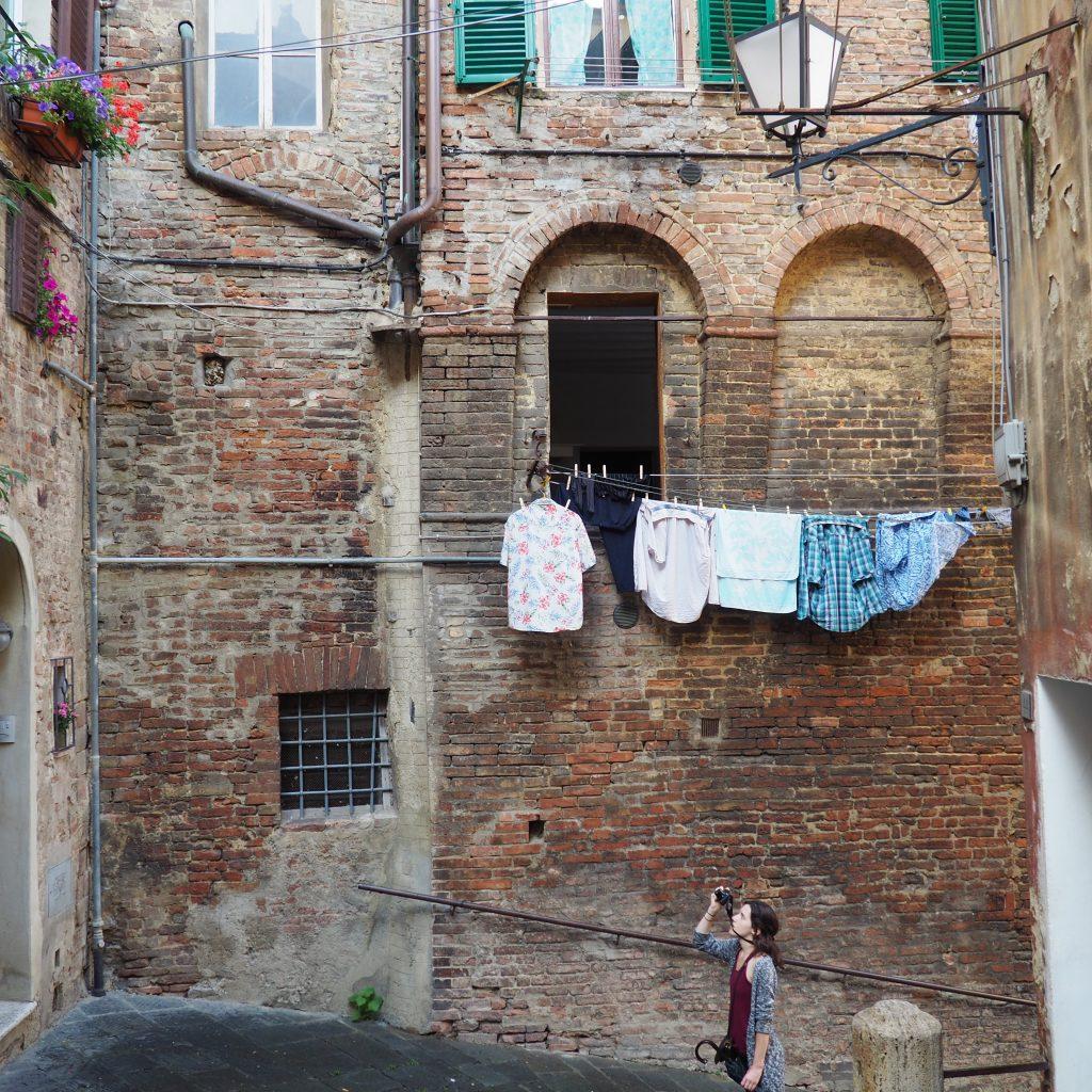 Pelas Ruas De Siena, Italy