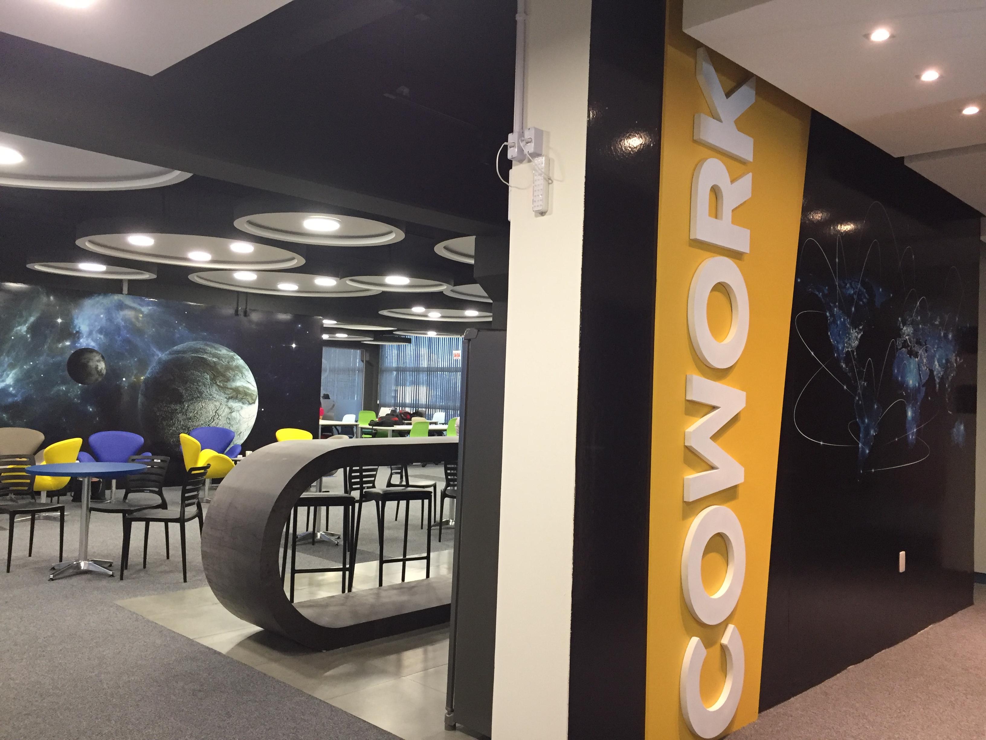 Visita Aos Habitats De Inovação E Empreendedorismo De Floripa: Comadre Cowork