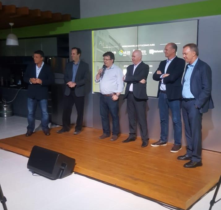 Da Esquerda Para Direita: Marcelo Camargo; Felipe Couto; José Eduardo Fiates; Luciano Pinheiro; Daniel Leipnitz; Gean Loureiro.
