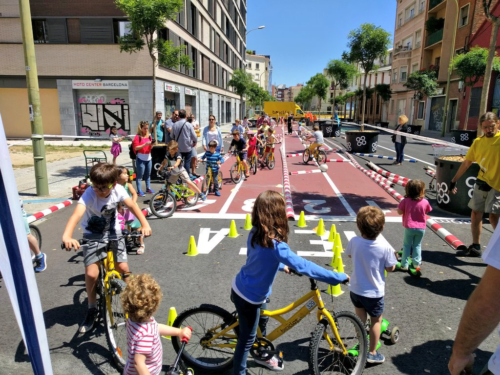 "Barcelona E Seu Exemplo De Placemaking No ""Superblock Poblenou""!"