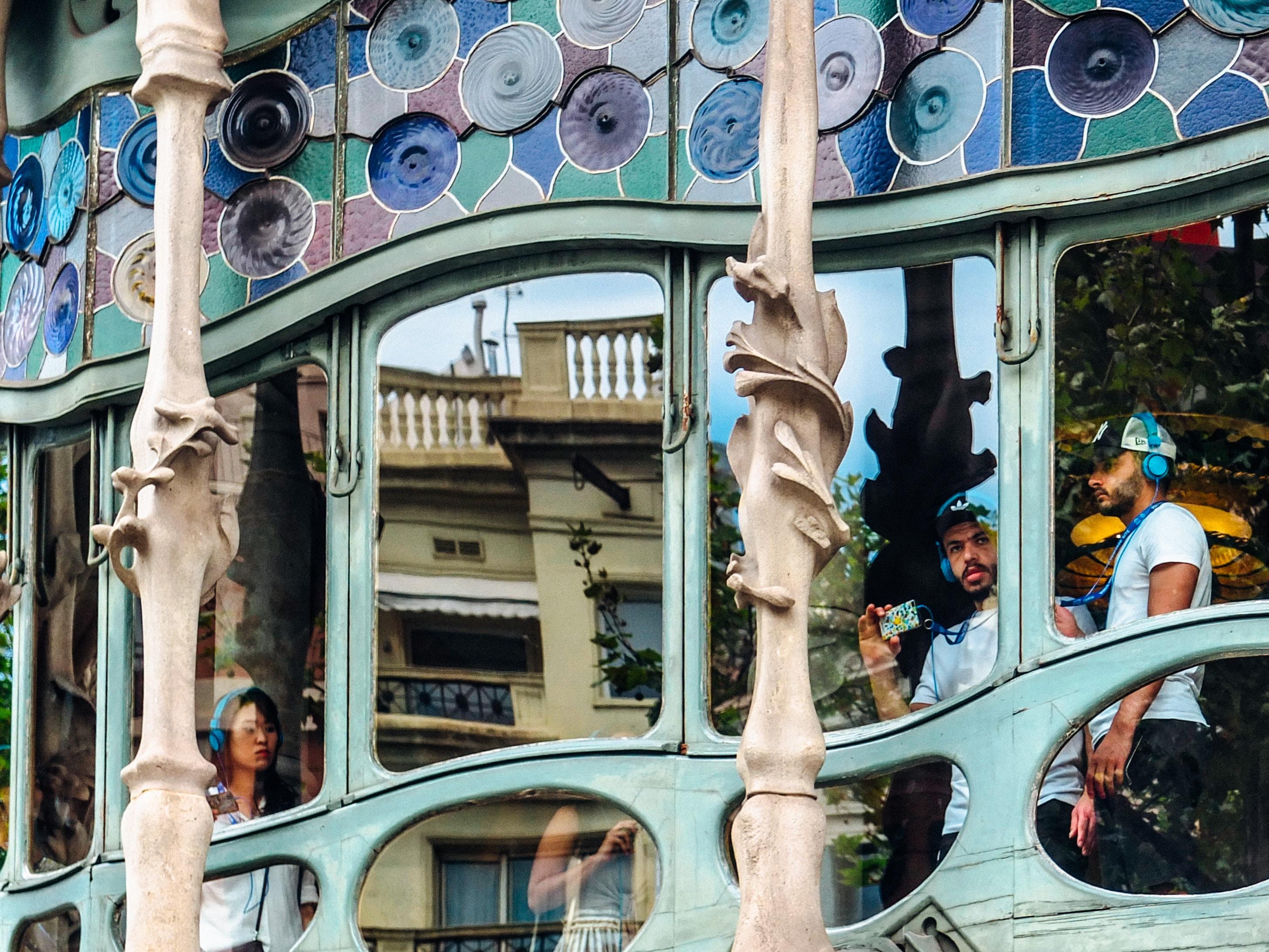 Casa Battló, Gaudí, Em Barcelona. Photo By Zach Rowlandson On Unsplash.