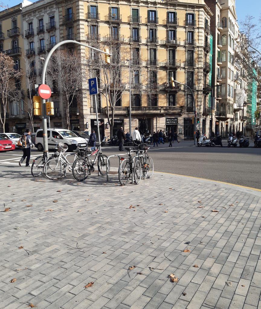 Bicicletários Estão Por Toda A Cidade