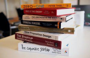 livros de universidades sobre startups